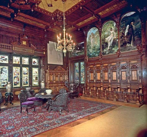 Peles Royal Castle interior, transylvania private tours